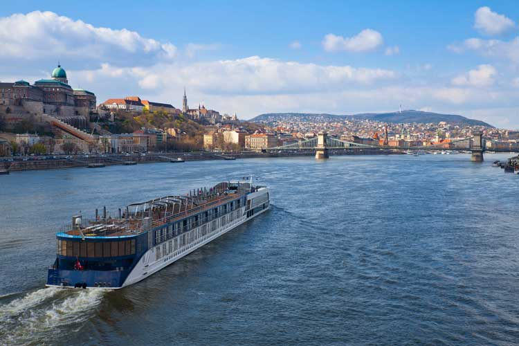 3 Best River Cruise Lines (with Pricing and Reviews