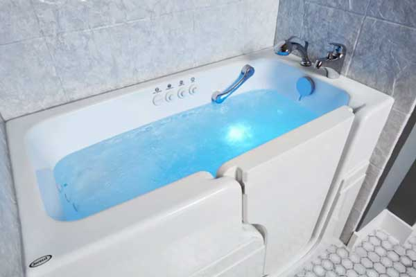 Jacuzzi Walk-in Tubs Reviews (with Prices) | Retirement Living