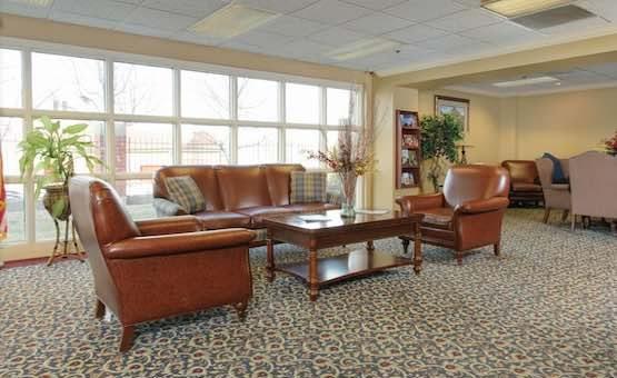 Life Care Center of Saint Louis | Retirement Living