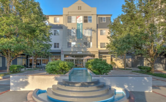 Northgate Plaza | Seattle Assisted Living | Retirement Living