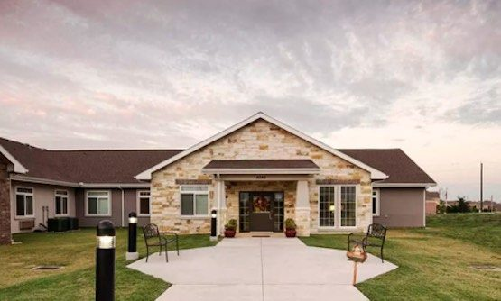 Oxford Glen Memory Care at Carrollton | Retirement Living