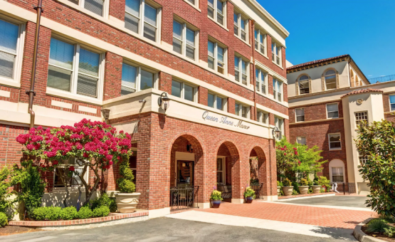 Queen Anne Manor | Retirement Living