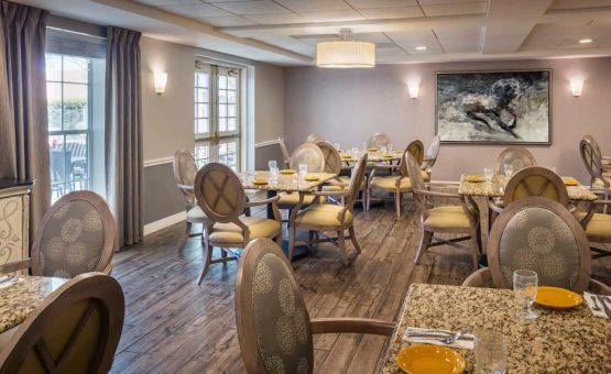 Belmont Village Senior Living West University | Retirement Living