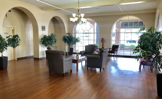Brookhollow Heights Transitional Care Center | Retirement Living