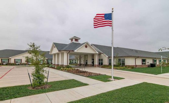 Lakewest Assisted Living | Retirement Living