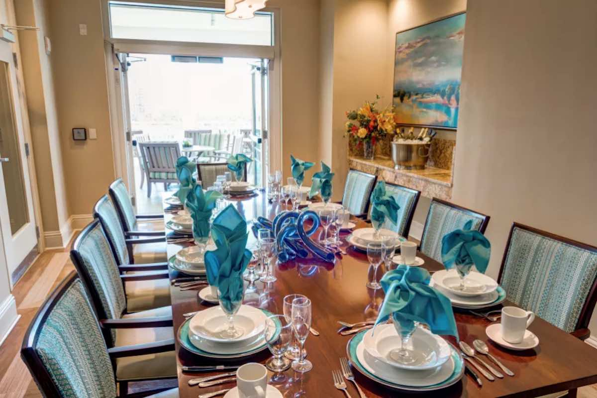 Symphony at the Waterways| Retirement Living